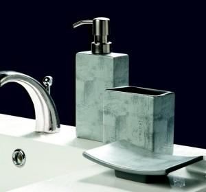 set accessoires à poser salle de bain, distributeur de savon, porte savon, gobelet, accessoires salle de bain planetebain