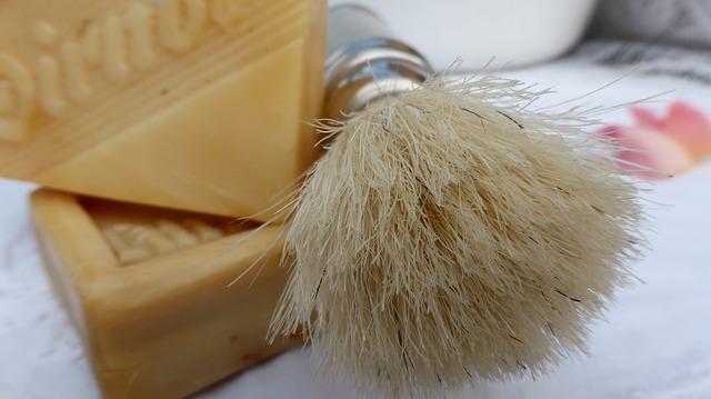shaving-brush-498215_640