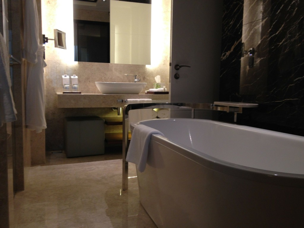 baignoire ilot moderne
