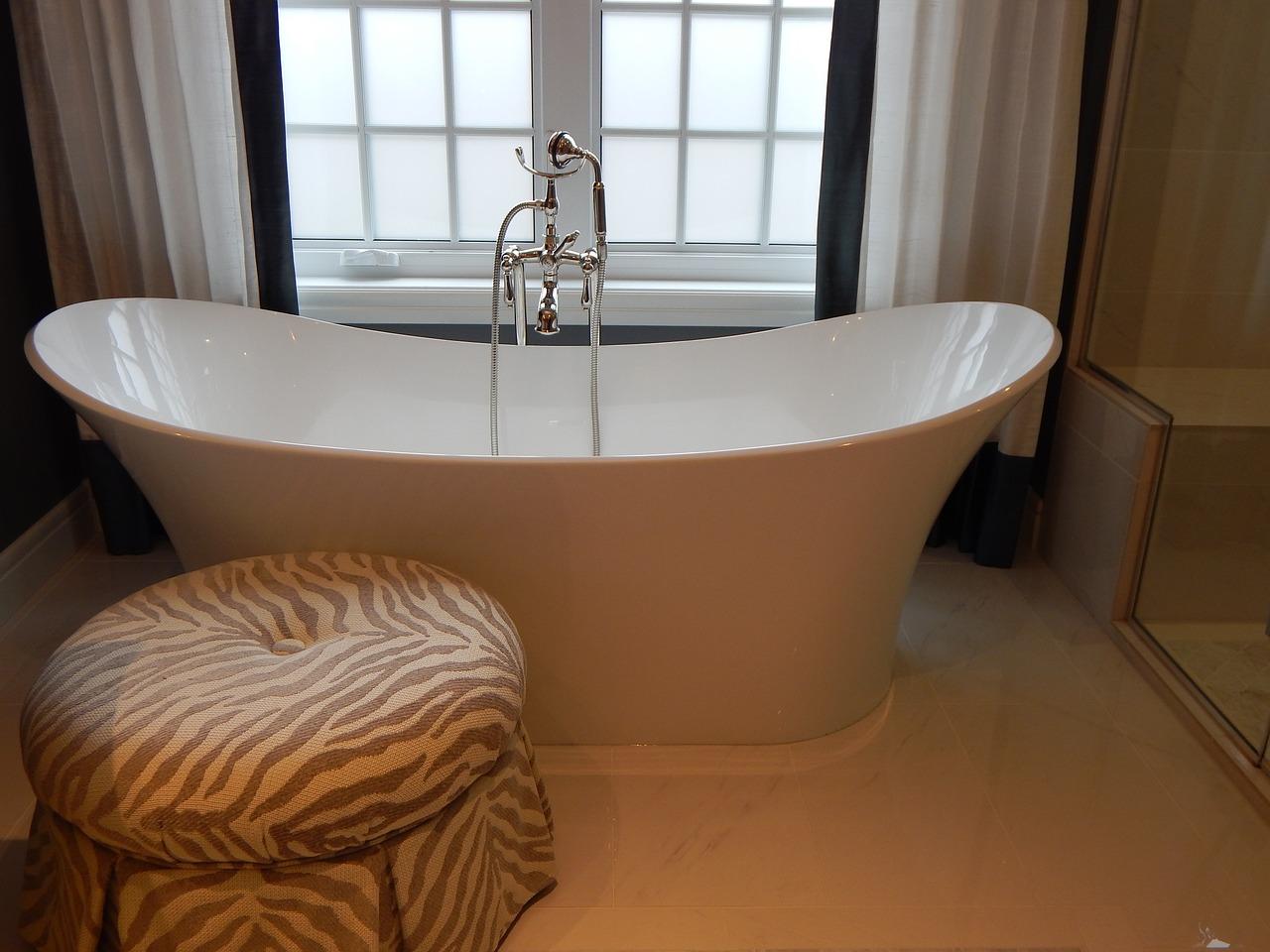 salle de bain romantique salle de bain r tro inspirations. Black Bedroom Furniture Sets. Home Design Ideas