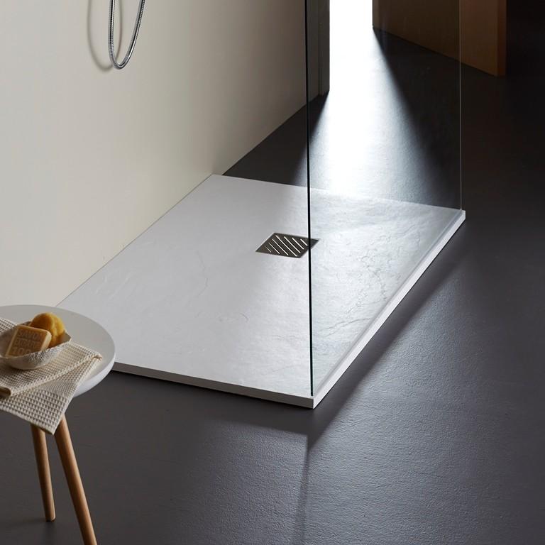 Retrouvez des receveurs extra plats pour une salle de bain moderne