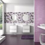 salle de bain avec coloris violets