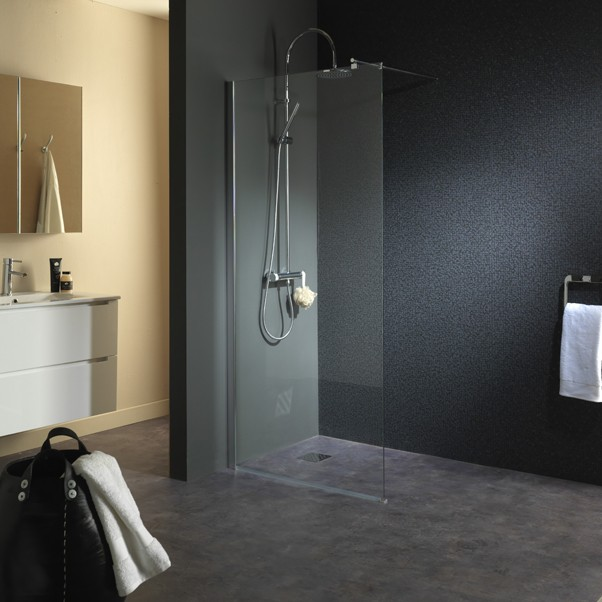 paroi de douche avec fixation sol plafond une solution. Black Bedroom Furniture Sets. Home Design Ideas