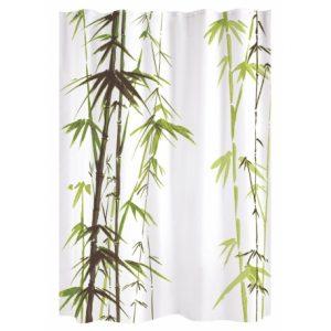 un rideau de douche avec bambous