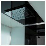 cabine de douche avec toit de pluie